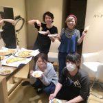 神楽坂の美容院〜ASPILEAF〜練習会の合い間のひと休み!みんなでピザ食べました♪今日は賑やかです(^^)